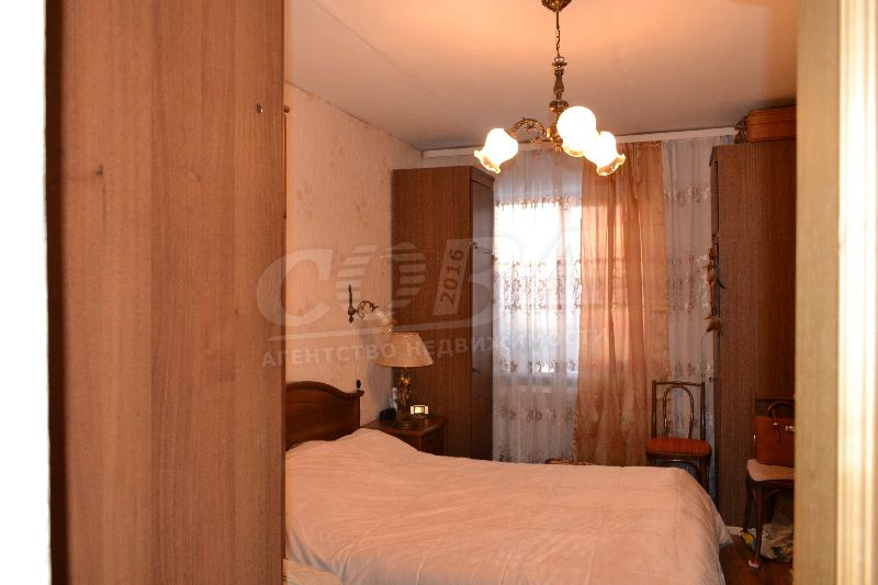 3 комнатная квартира  в Южном микрорайоне, ул. Ставропольская, 3, г. Тюмень
