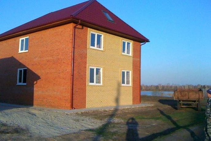 Дом у реки с баней, с. Липчинское, по Ирбитскому тракту