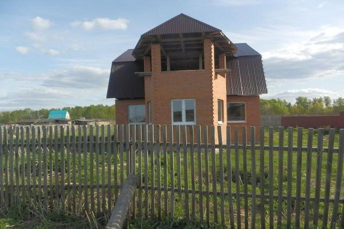 Дом у реки, с. Антропово, по Велижанскому тракту