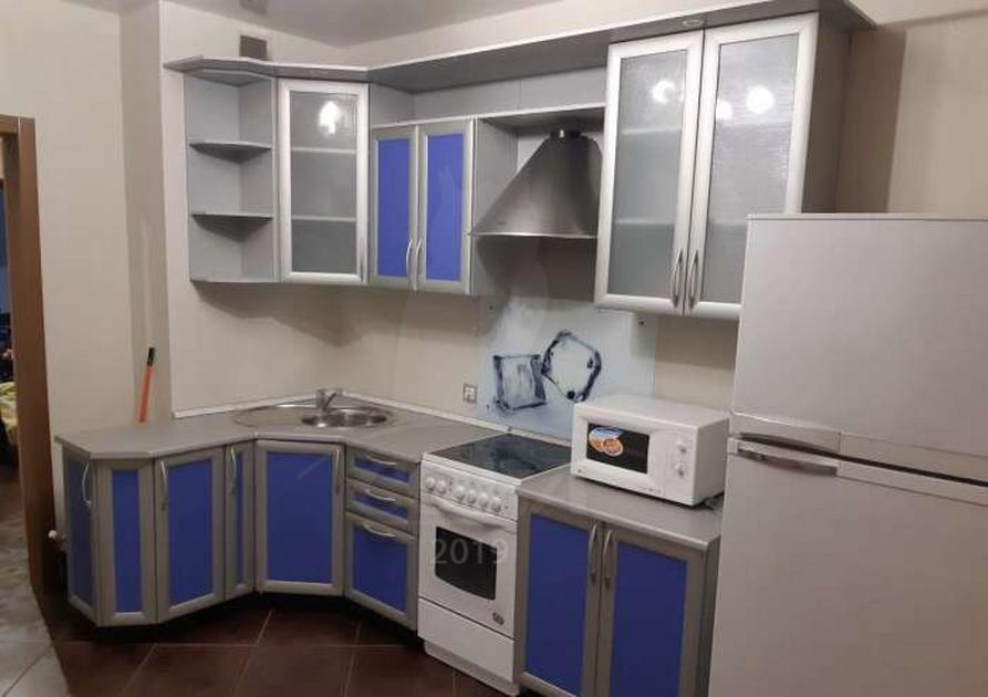 2 комн. квартира в аренду в Восточном 2 мкрн., ул. бульвар Бориса Щербины, г. Тюмень