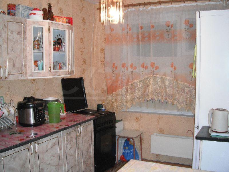 3 комнатная квартира  в 5 микрорайоне, ул. Широтная, 51, г. Тюмень