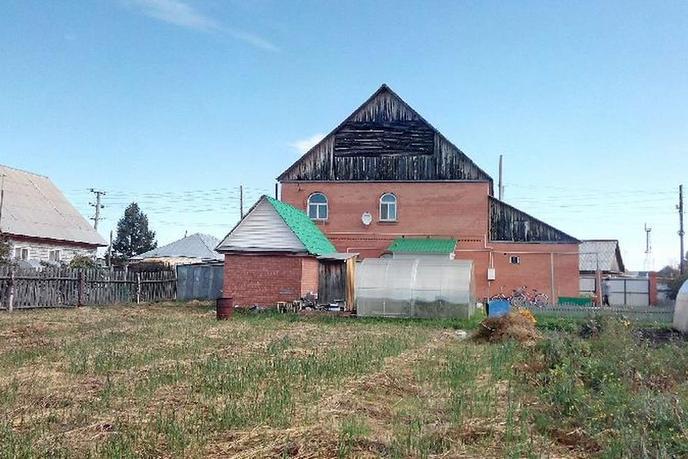 Коттедж с баней, в районе Центральная часть, с. Чикча, в районе Старый тобольский