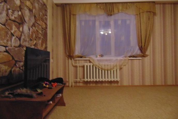3 комнатная квартира  в районе Подгорный Тобольск, ул. Розы Люксембург, 10, г. Тобольск