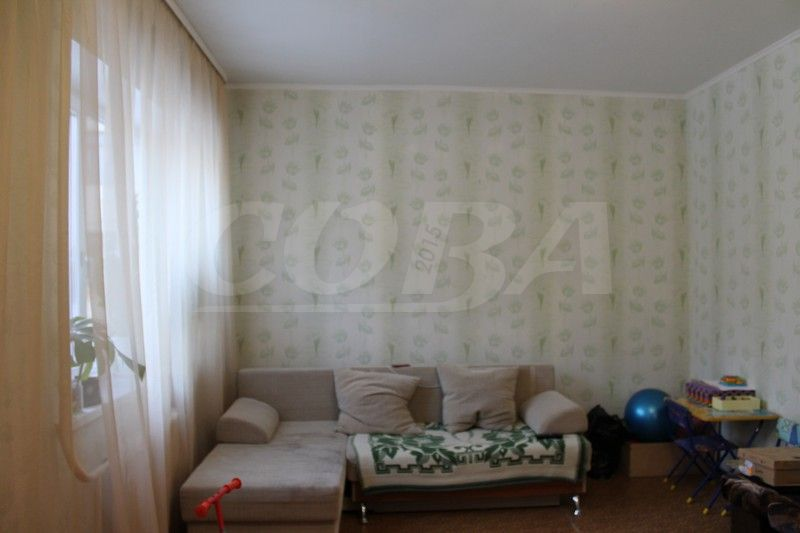 3 комнатная квартира  в Заречном мкрн., ул. Муравленко, 7, г. Тюмень