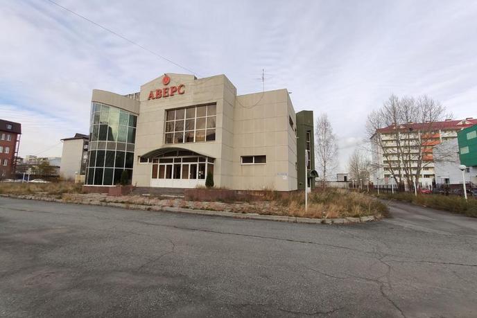 Торговое помещение в отдельно стоящем здании, аренда, в 2 микрорайоне, г. Тюмень
