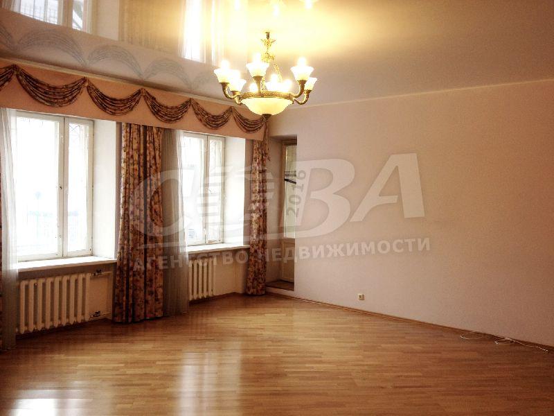 2 комнатная квартира  в историческом центре, ул. Республики, 14, г. Тюмень