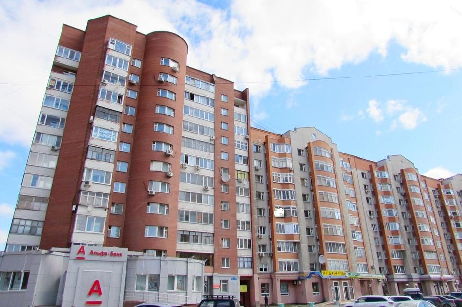 3 комнатная квартира  в районе ТЦ Магеллан, ул. 50 лет Октября, 3, г. Тюмень