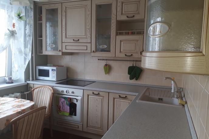 2 комн. квартира в аренду в Тюменском-3 мкрн., ул. Пермякова, г. Тюмень