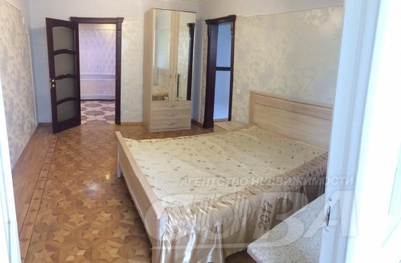 Многокомнатная квартира в аренду в Тюменском-3 мкрн., г. Тюмень