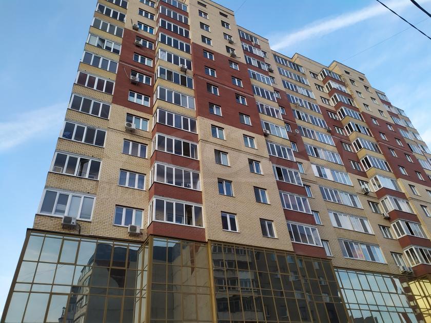 2 комнатная квартира  в 6 микрорайоне, ул. Мельникайте, 125Б, г. Тюмень