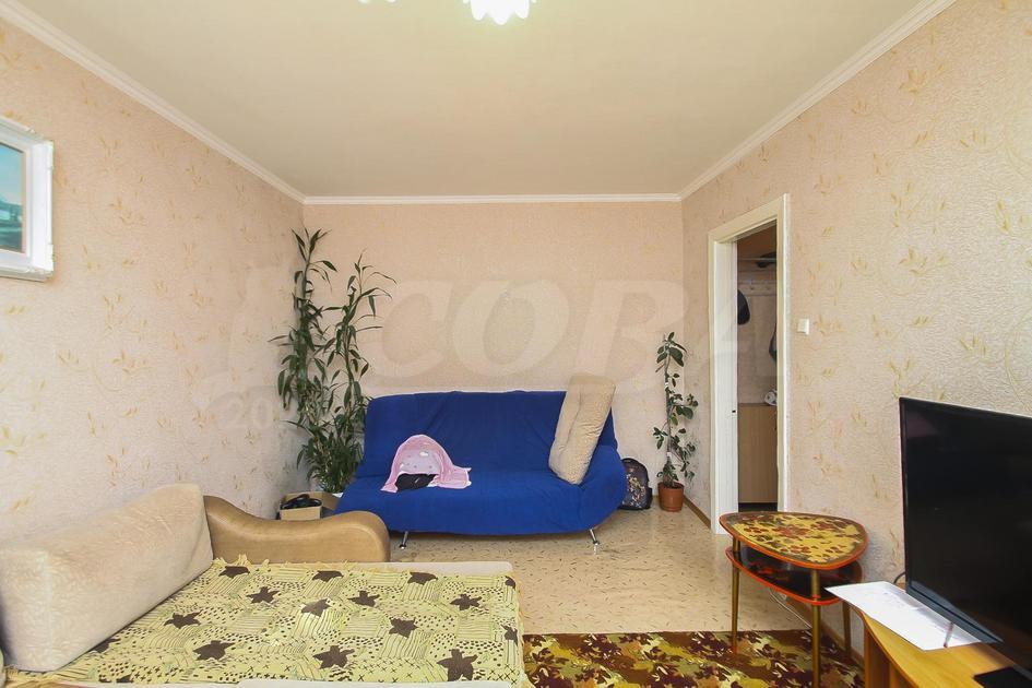 2 комнатная квартира  в 3 микрорайоне, ул. 30 лет победы, 86, г. Тюмень