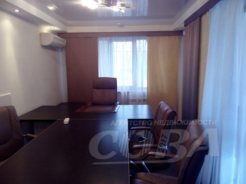 2 комнатная квартира  около сквера им. Немцова, ул. Профсоюзная, 70, г. Тюмень