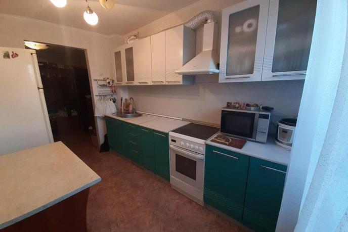 2 комнатная квартира  в районе Дом Обороны, ул. Пролетарская, 110, г. Тюмень
