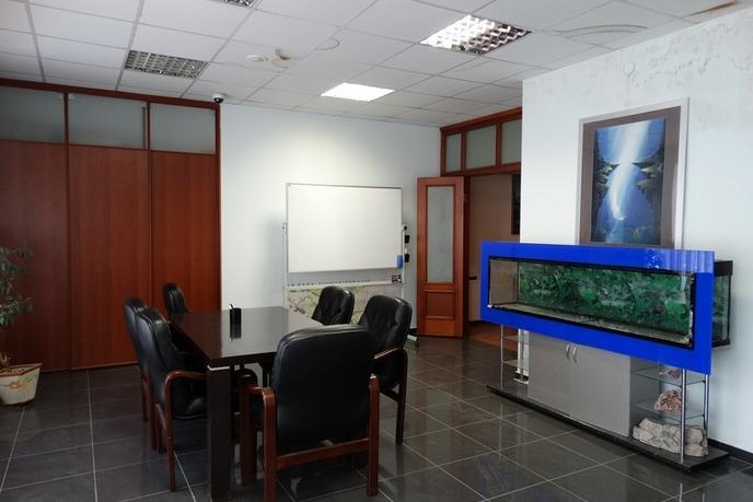Офисное помещение в жилом доме, продажа, в районе Нефтегазового университета, г. Тюмень