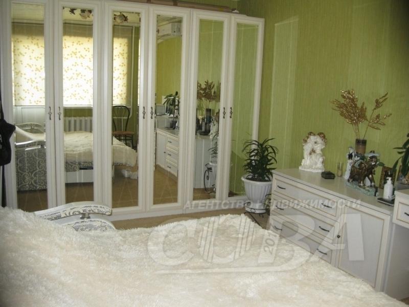 2 комнатная квартира  в районе Лесобаза, ул. Судостроителей, 32, г. Тюмень