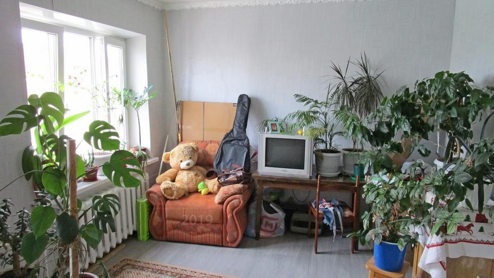 3 комнатная квартира  в Заречном мкрн., ул. Муравленко, 9, г. Тюмень