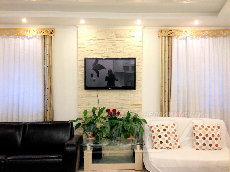 2 комнатная квартира  в центре, ул. Орджоникидзе, 30, г. Сочи