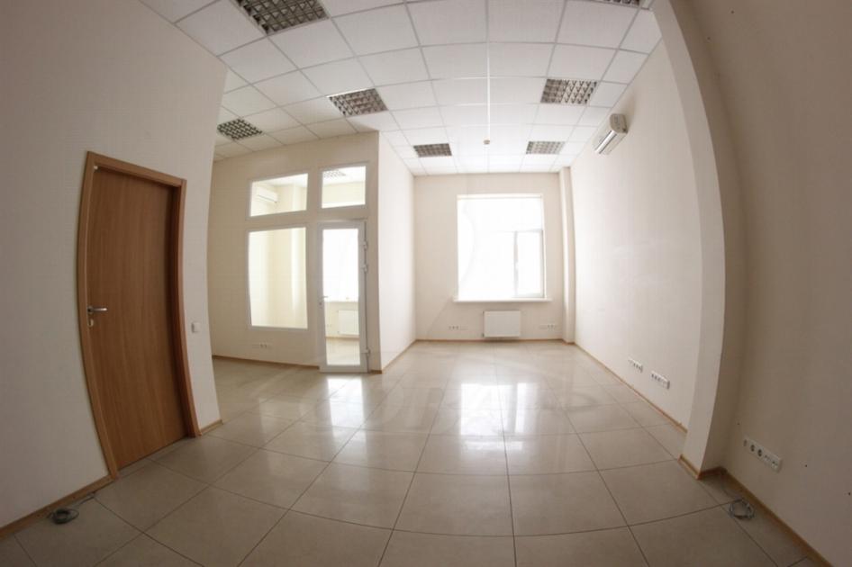Нежилое помещение в жилом доме, продажа, в Южном микрорайоне, г. Тюмень