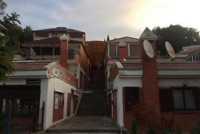 4 комнатная квартира  в районе Приморье, ул. Благодатная, 17, г. Сочи
