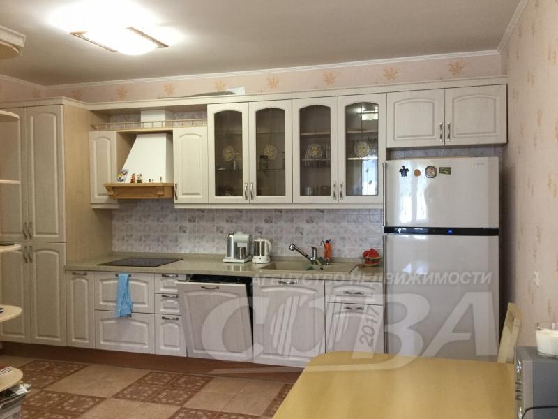 4 комнатная квартира  в районе ТРЦ Вершина, ул. Мира Проспект, 55, г. Сургут
