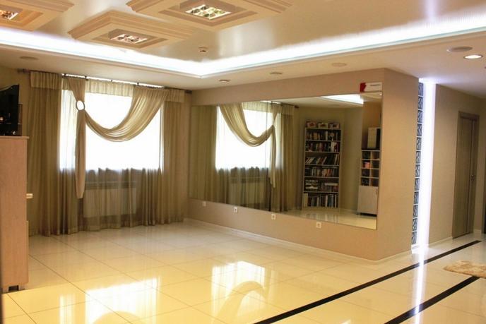 Салоны услуг в жилом доме, продажа, в районе Нефтегазового университета, г. Тюмень