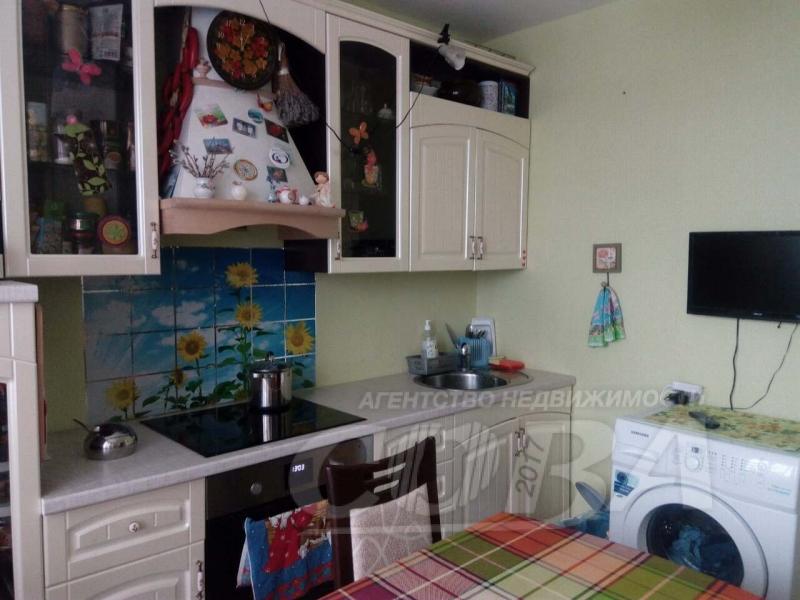 2 комнатная квартира  в районе Нагорный Тобольск, ул. микрорайон 7А, 21Б, г. Тобольск
