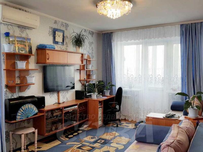 2 комнатная квартира  в районе Выставочного зала, ул. Севастопольская, 17, г. Тюмень