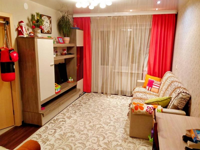 3 комнатная квартира , ул. Молодежная, 4, п. Тугулым