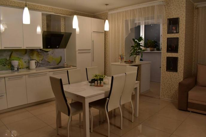 3 комнатная квартира  в Тюменском-2 мкрн., ул. Михаила Сперанского, 17, г. Тюмень