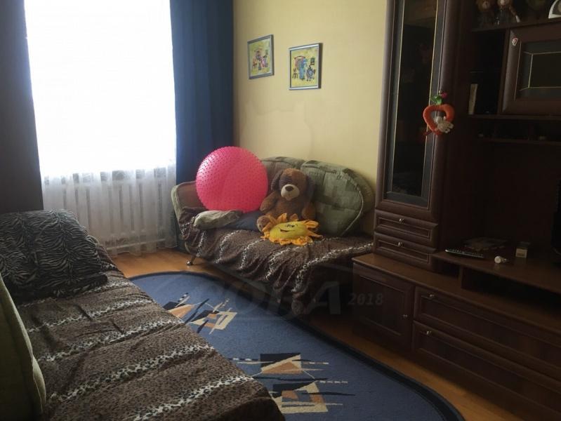 4 комнатная квартира  около сквера им. Немцова, ул. Мориса Тореза, 1, г. Тюмень