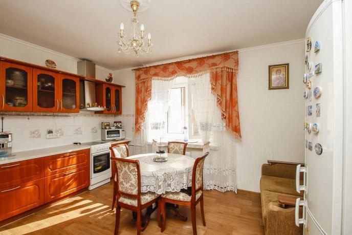 2 комнатная квартира  в районе ул.Елизарова, ул. Максима Горького, 3, г. Тюмень
