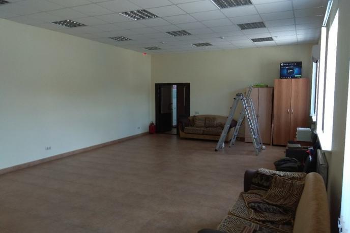 Нежилое помещение в отдельно стоящем здании, аренда, в районе Центральная часть, п. Московский