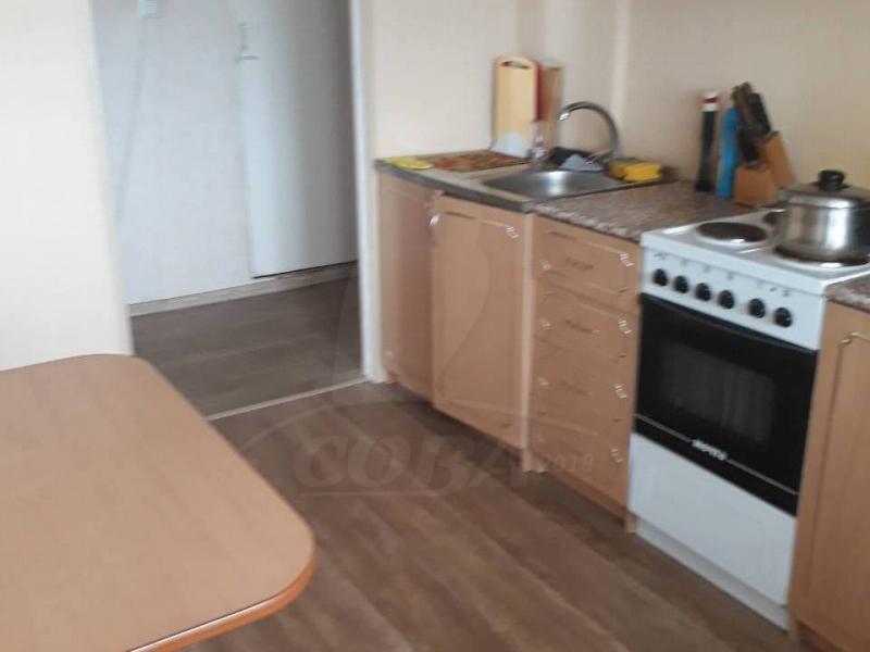 4 комнатная квартира  в 6 микрорайоне, ул. Широтная, 19, г. Тюмень