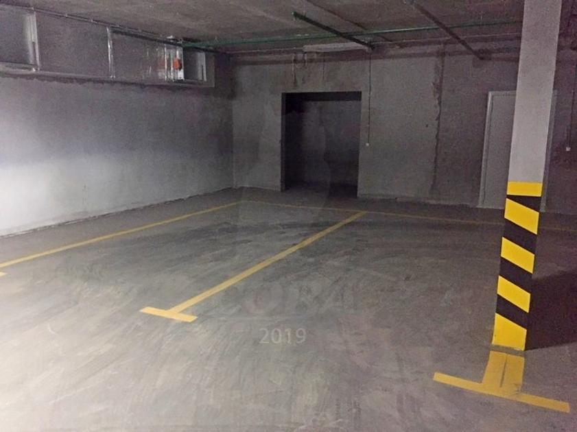 Парковочное место в центре Тюмени, г. Тюмень, Паркинг в ЖК «Аристократ»