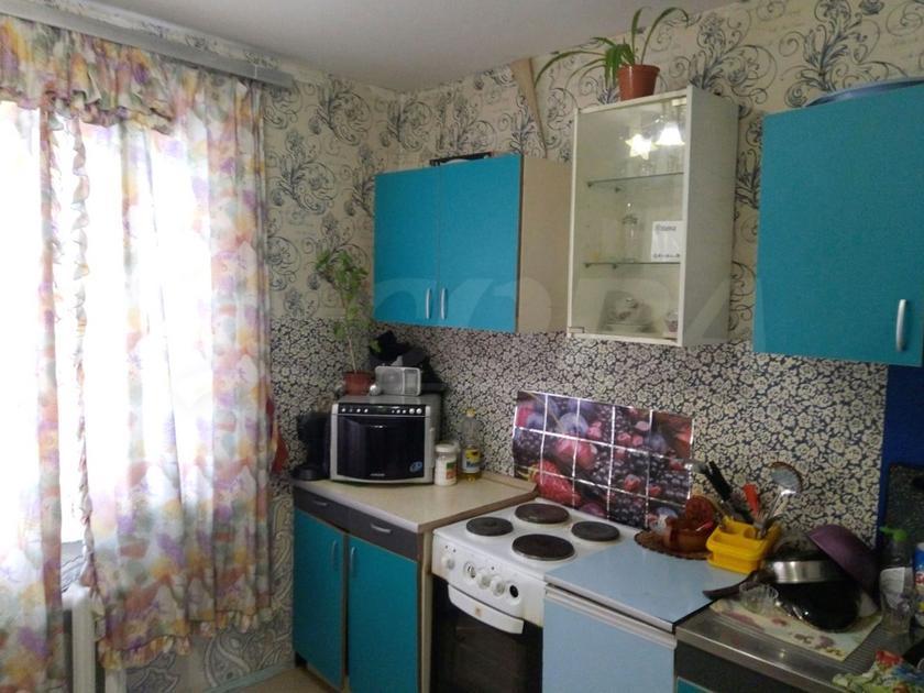 2 комнатная квартира  в 3 микрорайоне, ул. Пермякова, 25, г. Тюмень