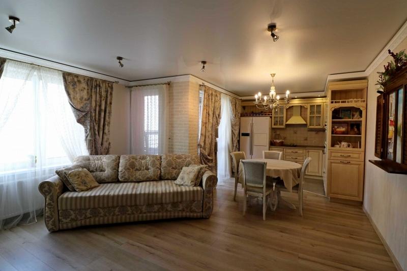 3 комнатная квартира  в Европейском мкрн., ул. Газовиков, 67, Микрорайон «Европейский», г. Тюмень