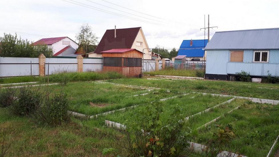 Строящийся дом, г. Сургут, в районе Аэропорт