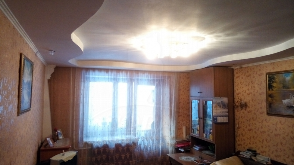 3 комнатная квартира  в 6 микрорайоне, ул. Широтная, 11, г. Тюмень