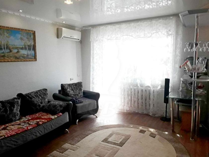 3 комнатная квартира  в центре, ул. Ленина, 41, г. Ялуторовск