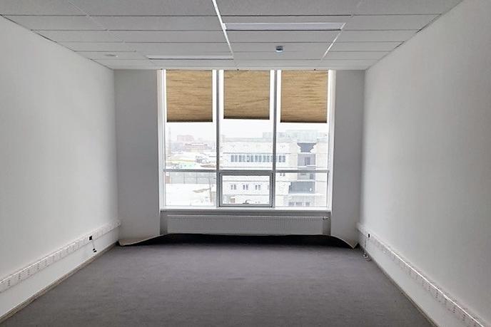 Нежилое помещение в бизнес-центре, аренда, в районе Центральный, г. Сургут