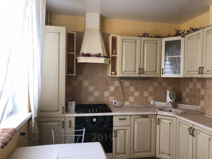 3 комнатная квартира  в районе Матмасы, ул. Академика Сахарова, 40, г. Тюмень