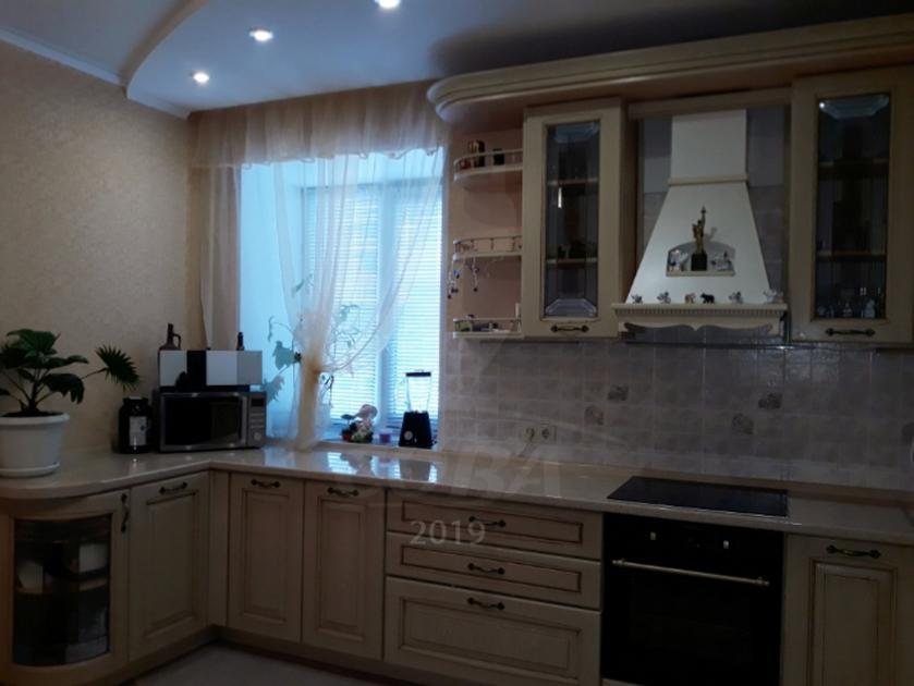 3 комнатная квартира  в Тюменском-3 мкрн., ул. Николая Семенова, 23, г. Тюмень