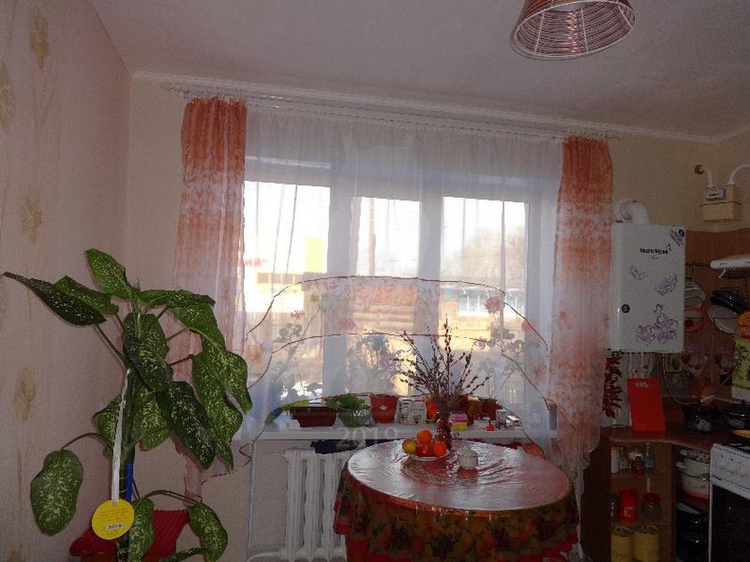 4 комнатная квартира , ул. Терешковой, 5, с. Омутинское