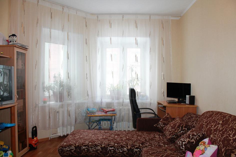 3 комнатная квартира  в районе ТЦ Богатырь, ул. 30 лет Победы, 45, г. Сургут