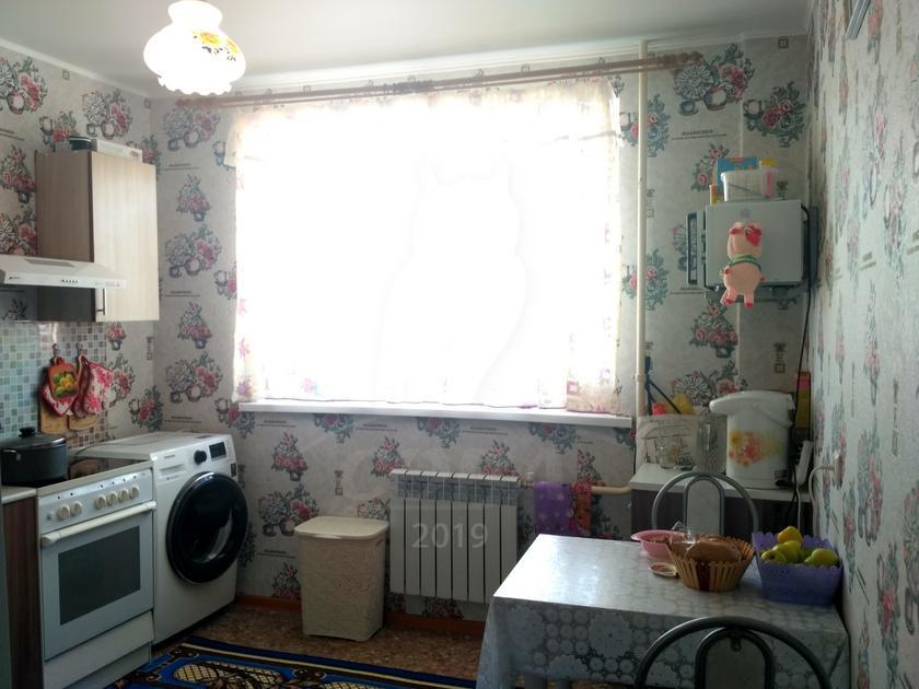 2 комнатная квартира  в районе Нагорный Тобольск, ул. 15-й микрорайон, 23, ЖК