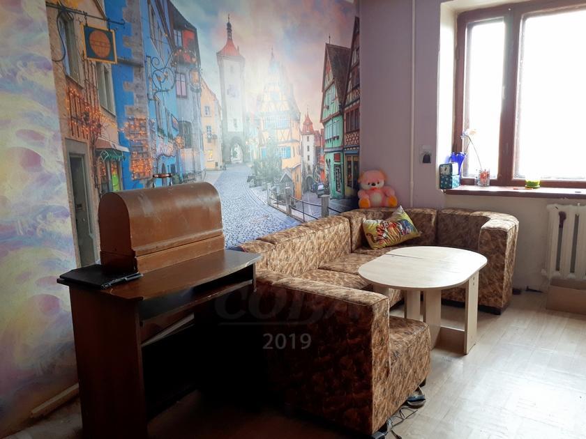 2 комнатная квартира  в районе Воровского, ул. Республики, 220, г. Тюмень