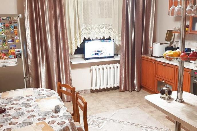 3 комнатная квартира  в Тюменском-3 мкрн., ул. Пермякова, 74/3, г. Тюмень