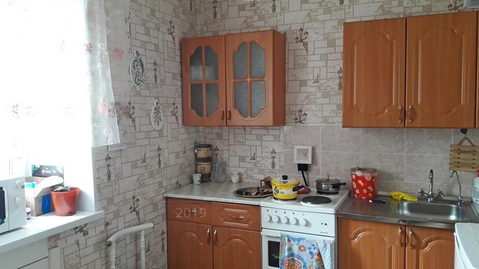 3 комнатная квартира  в Восточном мкрн., ул. Стахановцев, 3, г. Тюмень