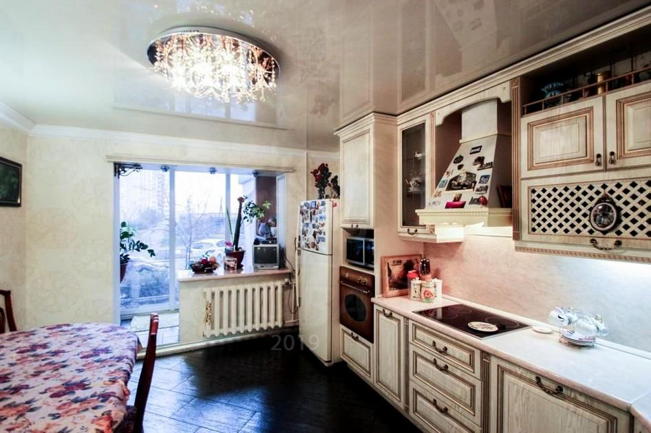 3 комнатная квартира  в Восточном 2 мкрн., ул. Ивана Словцова, 21, г. Тюмень