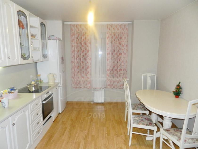 2 комнатная квартира  в Заречном 3 мкрн., ул. Заречный проезд, 43, г. Тюмень